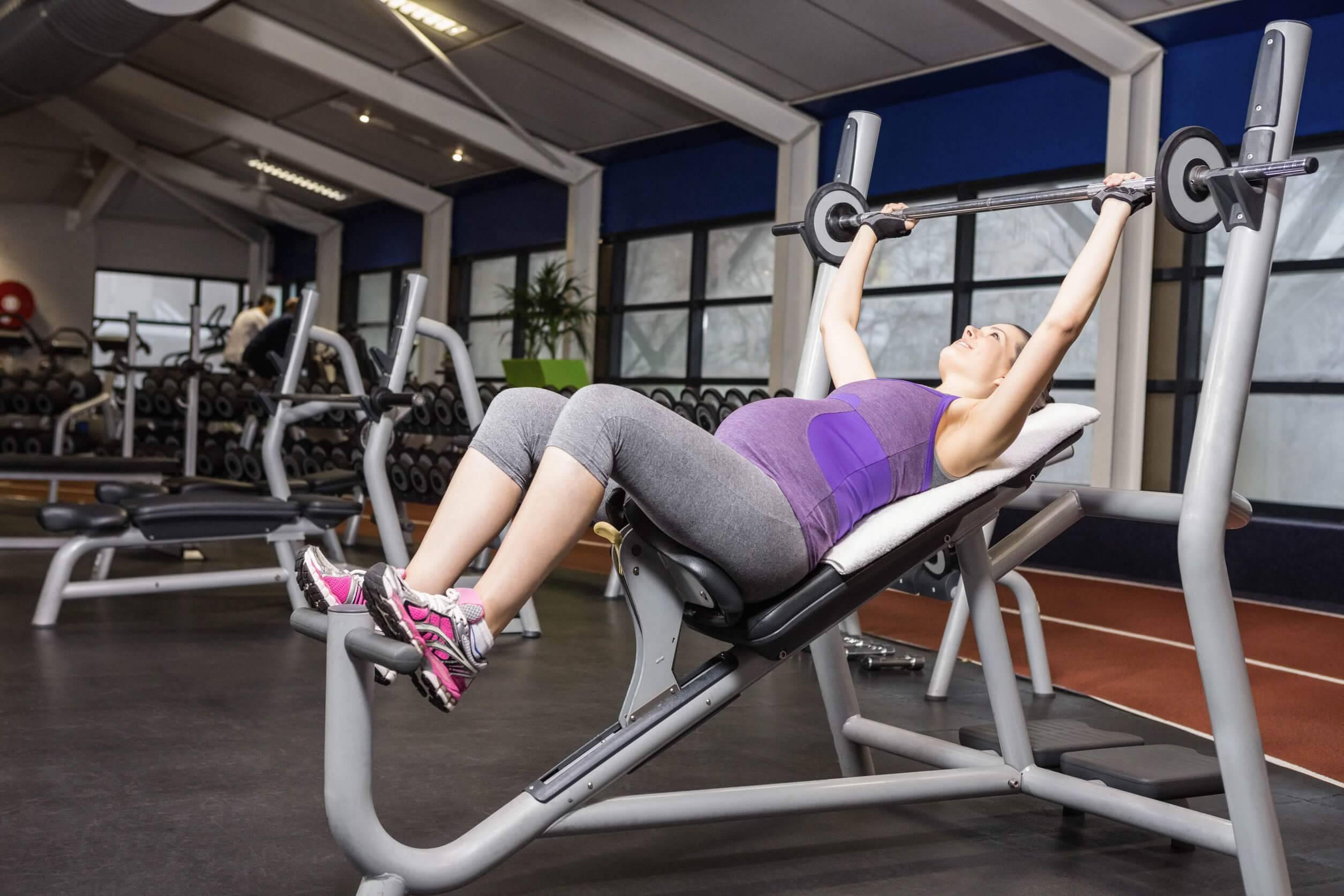 Упражнение для беременных в спортзале 53